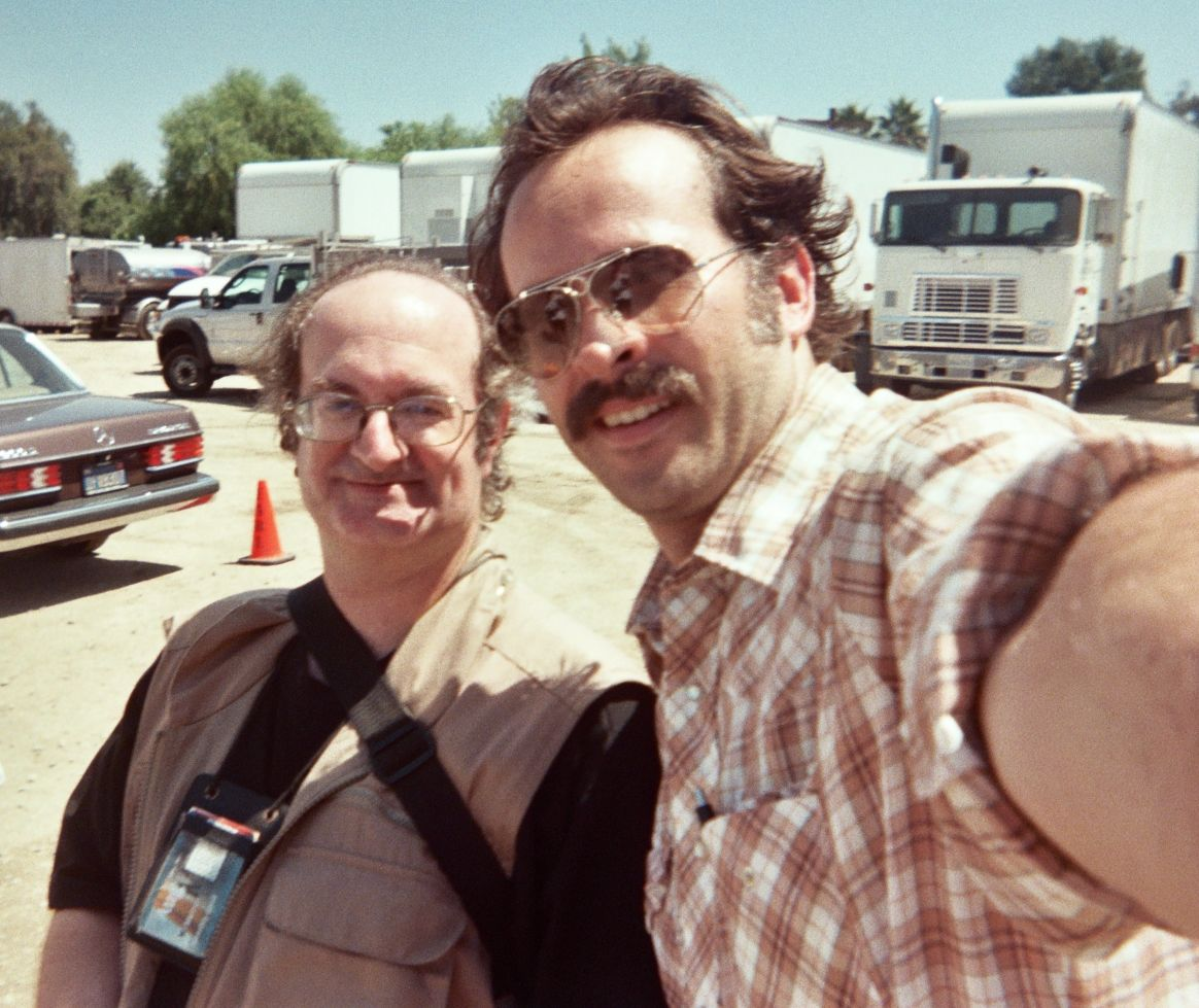 Geoffrey Gould behind the scenes with Jason Lee on the ''My Name is Earl'' episode 403 ''Joy in a Bubble''