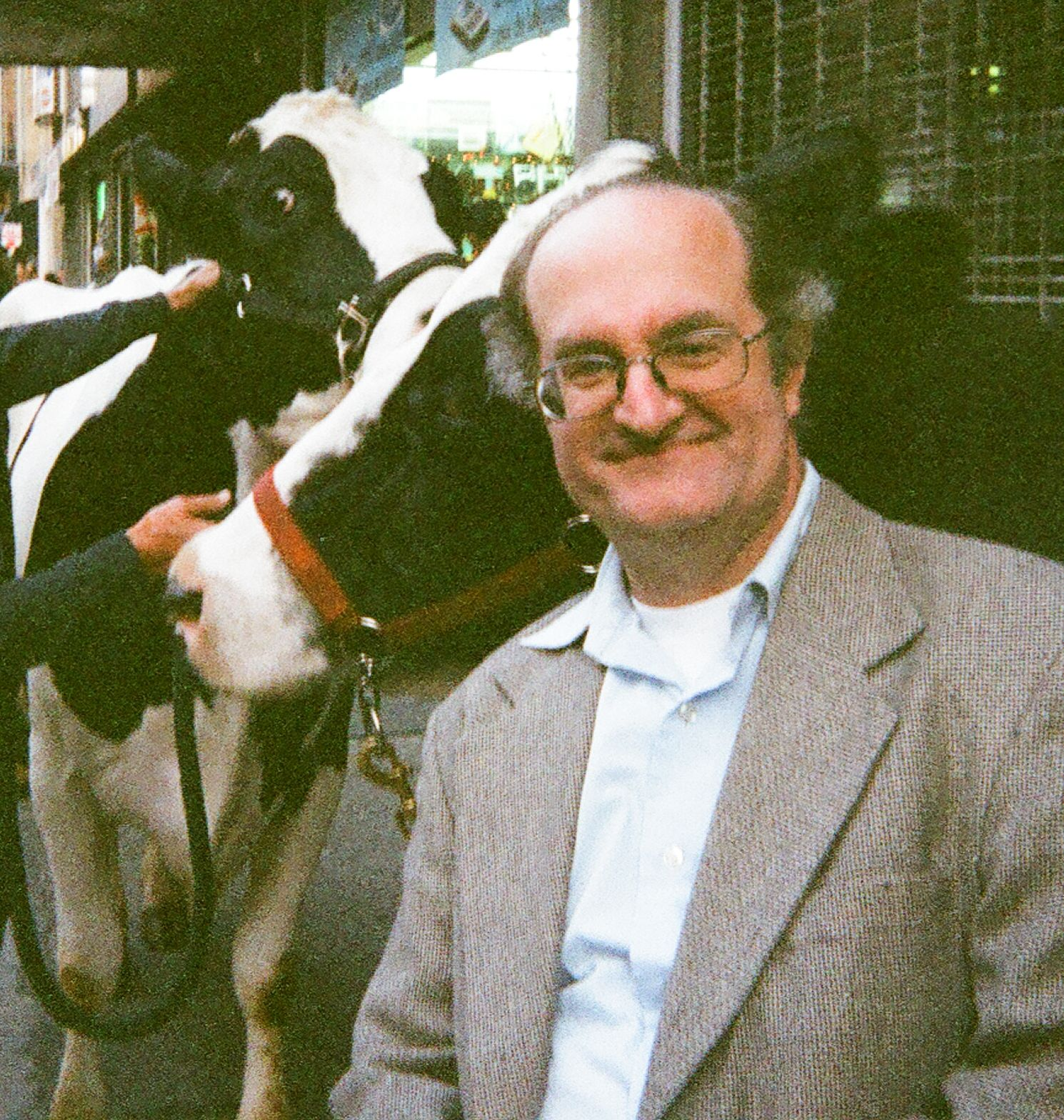 Geoffrey Gould in Arla commercial ''Cow:'' Moo.