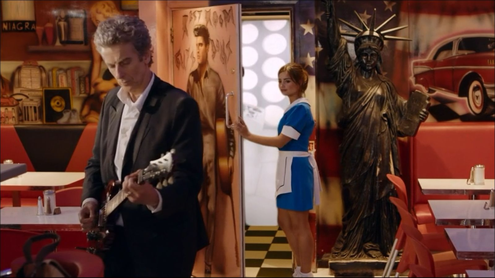 doctor who diner inconsistencies geoffgould net now the empty space next to the door has the statue of liberty at least the wall murals to the right of the restroom door remains the same in both diners