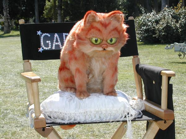 The model Val Sykes created for the ''Garfield''movie/s, the photo ''the messenger'' believe the film's audiences are too mentally challenged to see and/or comprehend